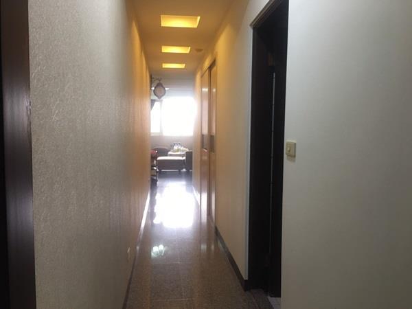 專任-中山新貴市區優質華廈近城隍廟採光戶- 0802620