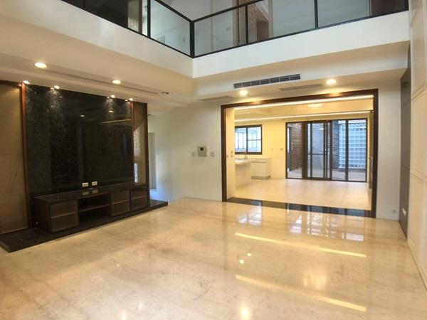 成功國中品建築使用大空間電梯別墅- 1153328