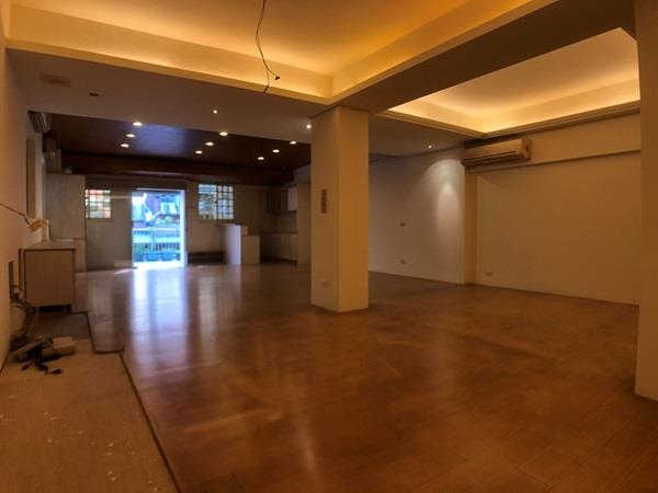 春福新天母稀有一樓三改二使用大空間平車- 1132484