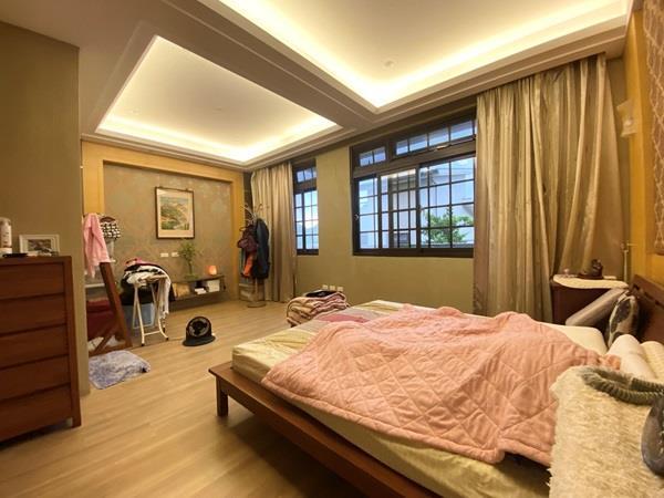 稀有園區~比佛利山莊~日式超優質美別墅- 1204874