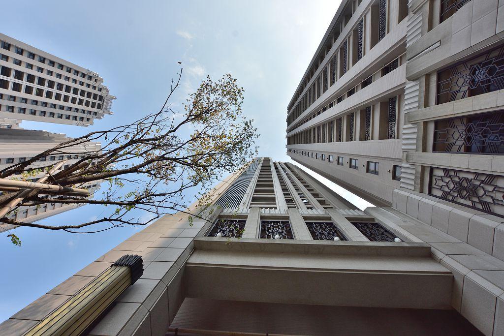 東方明珠溫馨高樓二房平車- 1099371